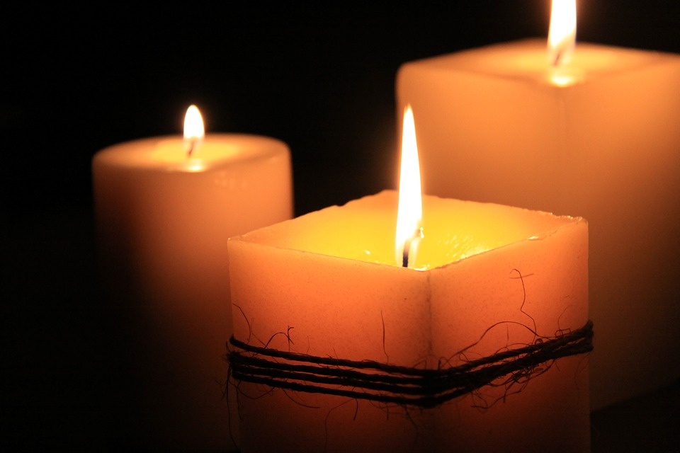 candles-1323090_960_720