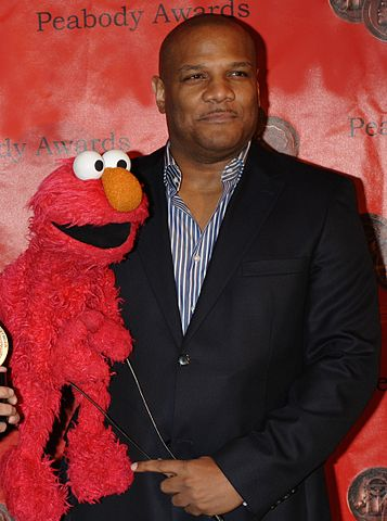 357px-Kevin_Clash_Elmo_2010_(cropped)