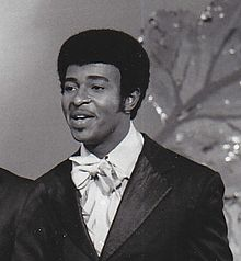 220px-Dennis_Edwards_with_the_Temptations_in_1968